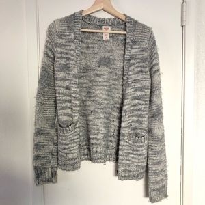 Mossimo grey and white sweater